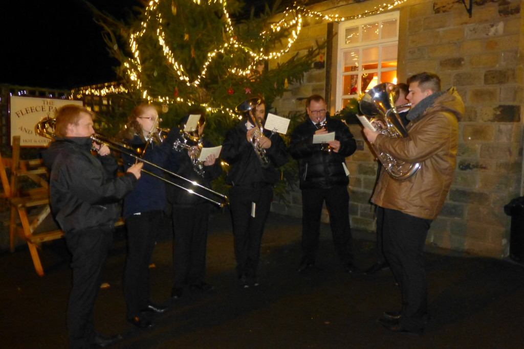 You are currently viewing The Fleece. Holme- Switching on the Christmas Lights